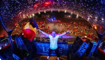 Armin van Buuren enchants Tomorrowland with historical trance !