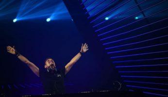 Armin van Buuren sets fire Untold festival !